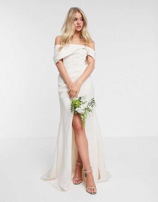 Off-the-Shoulder Bardot Neckline Wedding Dress