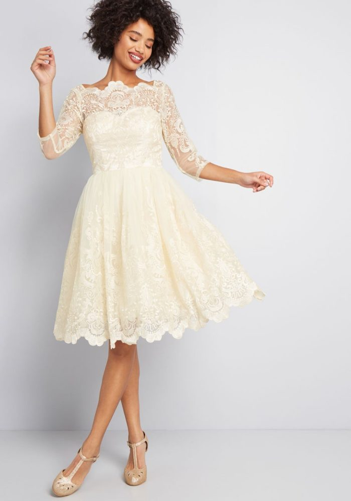 Short retro wedding dress with sleeves