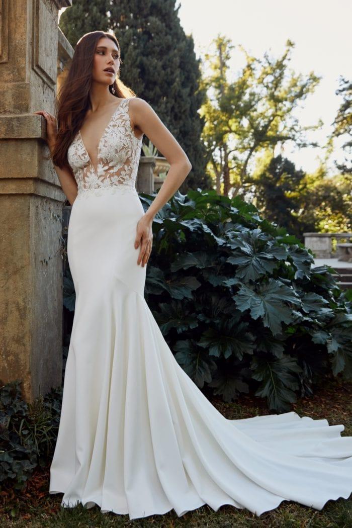 Lisette V neck lace bodice bridal gown | Jenny Yoo Wedding Dresses Spring 2020