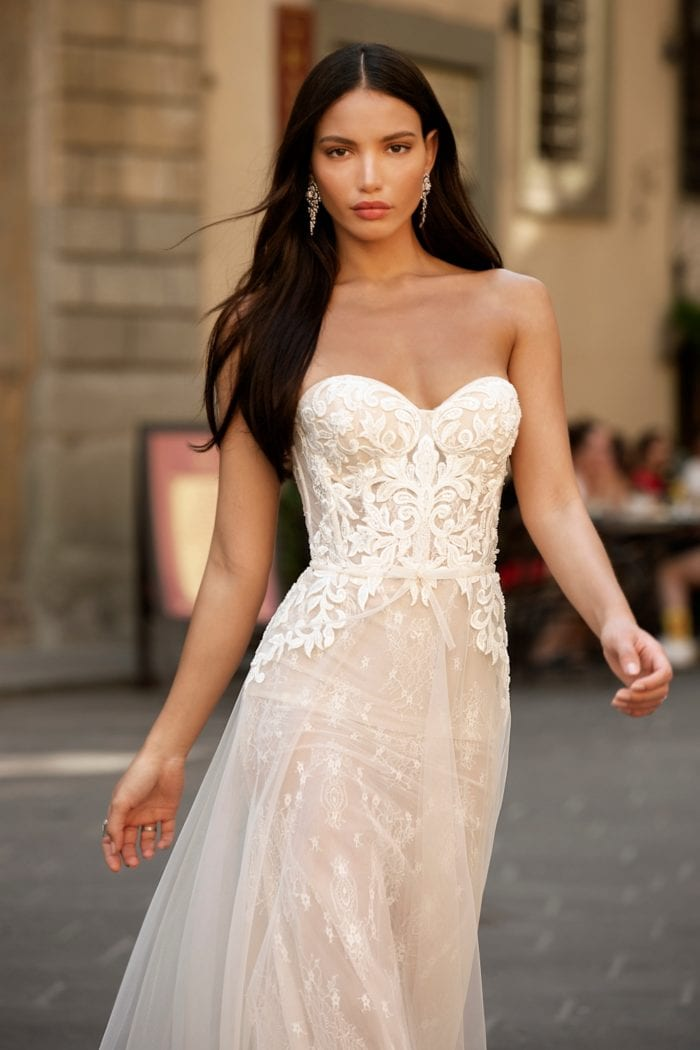Strapless lace wedding dress with sweetheart bodice