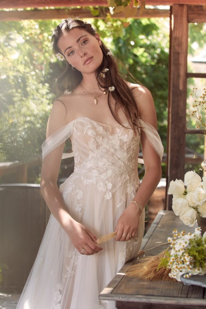 Maudie | Off the shoulder wedding dress by Willowby Spring 2020