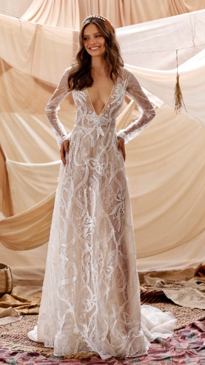 Long sleeve V neck wedding dress Guiliana