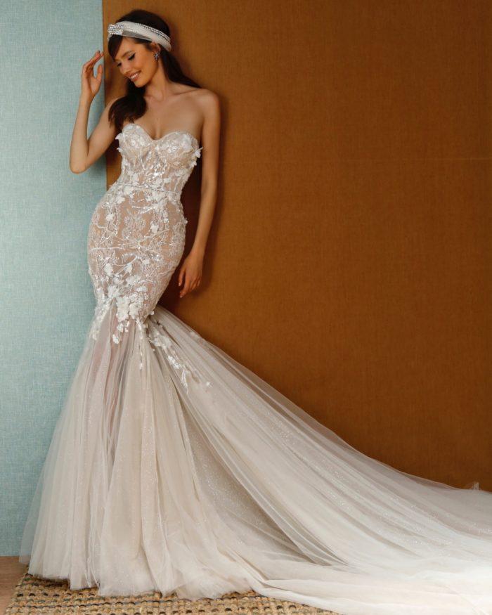 Strapless mermaid designer bridal gown wih floral applique 2021