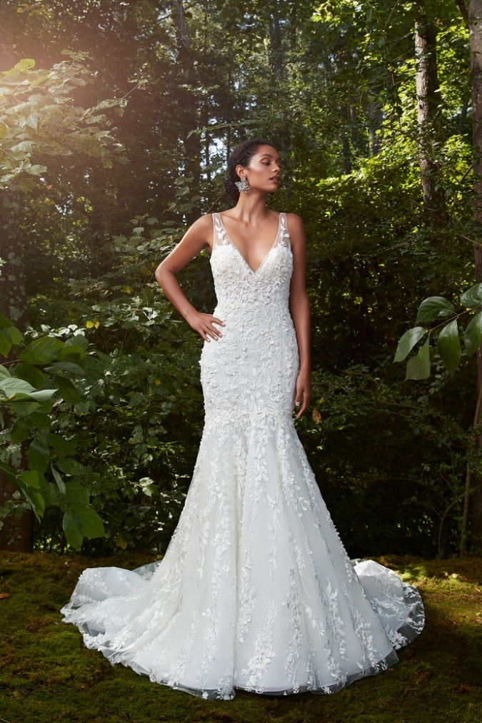 Bridal gown with floral applique v neck mermaid wedding dress