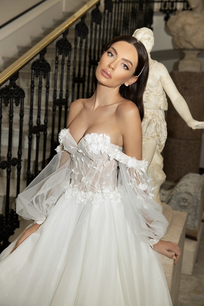 Off the shoulder strapless lace dress